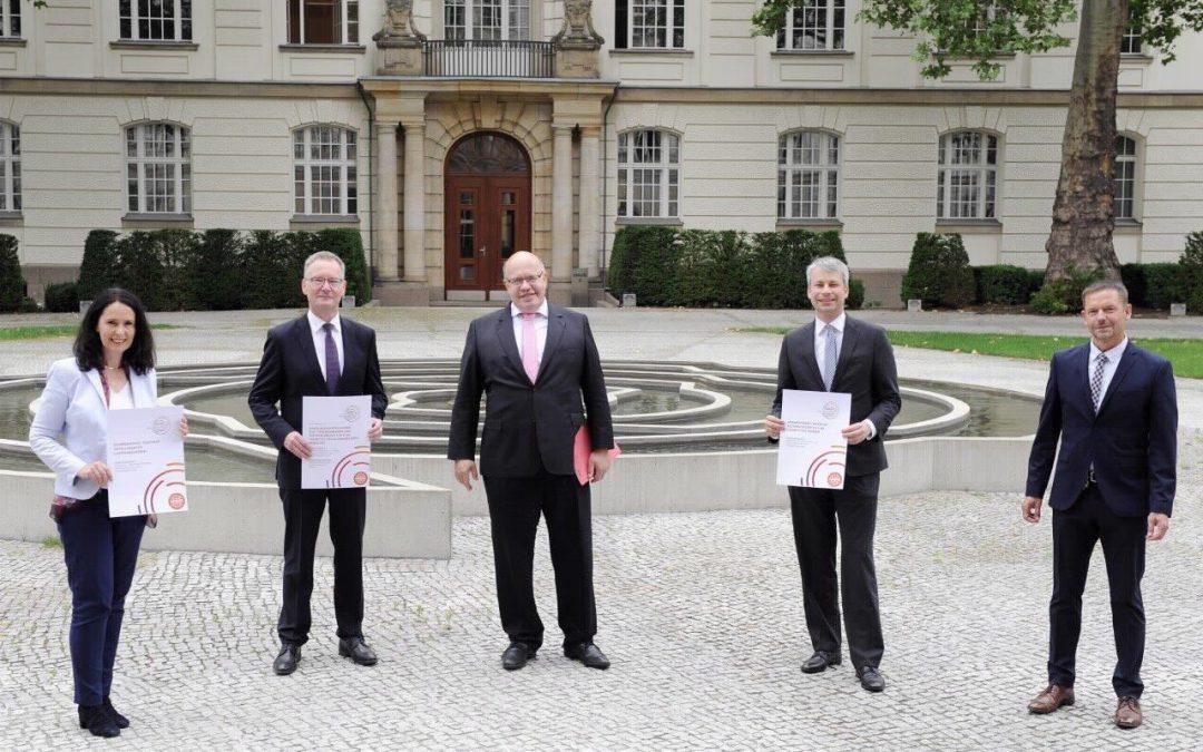 Übergabe der neuen AG 6-Berichte an BMWi und BMVI